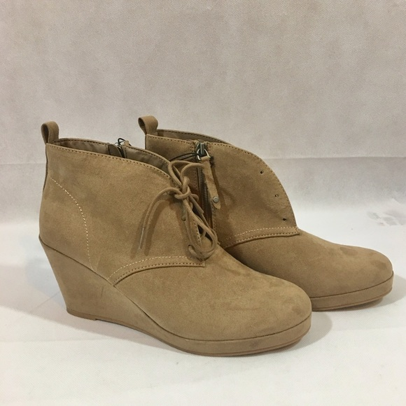 74455876f9d DV By Dolce Vita Women s Terri Wedge Booties Taupe